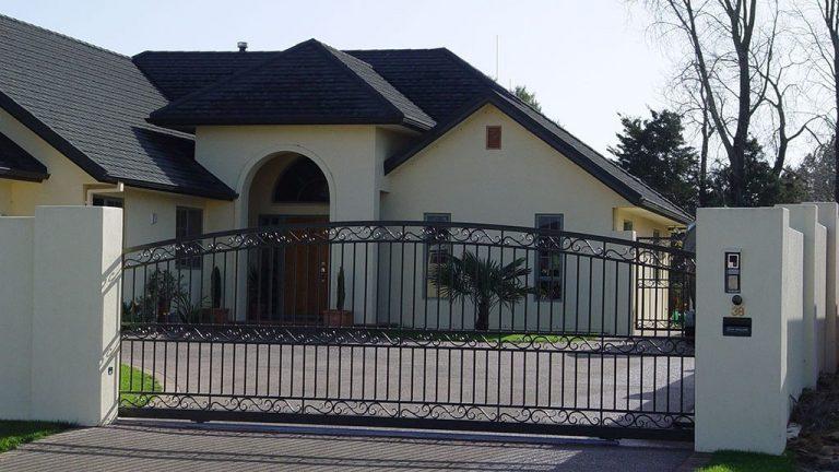 Domestic Sliding Gate